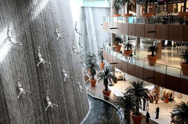 Дубай Молл. Крупнейший торговый центр ОАЭ. Расположен у подножья Бурдж Халифа