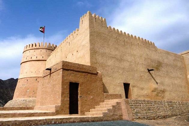 Форт-крепость в Фуджере. История форта насчитывает более 300 лет.