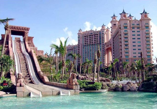 Аквапарк Aquaventure расположен 5 звёздочном отеле Atlantis