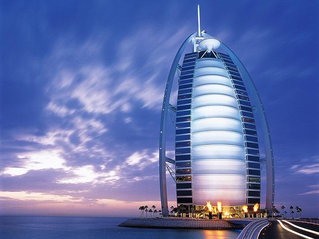 Проведите день в одном из самых роскошных отелей мира - Burj Al Arab